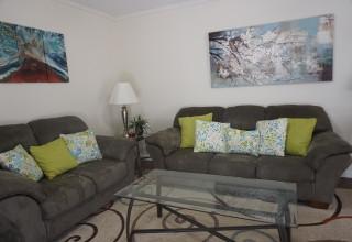 Living room 10 107